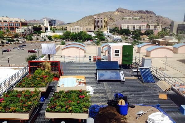 Green Roofs in hot air climate